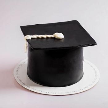 Graduation Cake 10