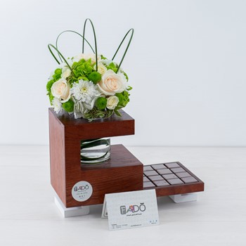 Deluxe White Bouquet 1