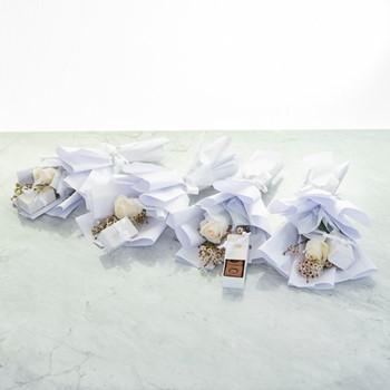 Single Roses White
