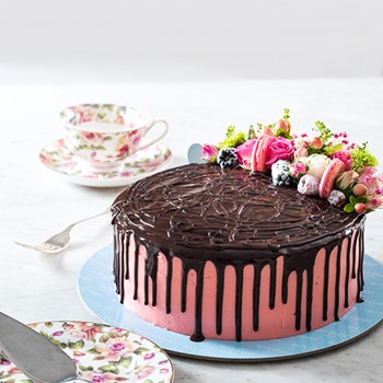 Chocolate & Strawberry Cake