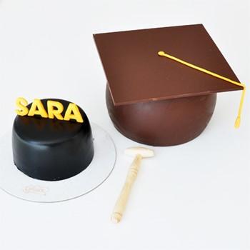 Graduation Surprise Cake