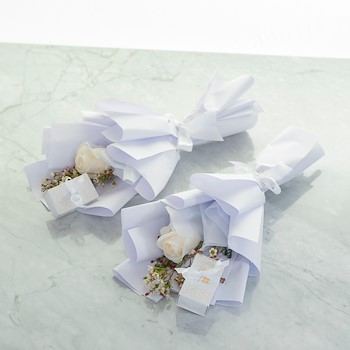 White Single Rose & Choco
