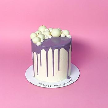 Petals Drip Cake