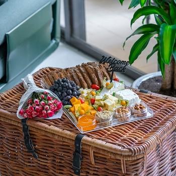 Fuchsia Platter