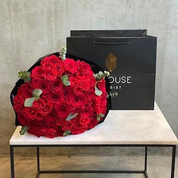 Amour Hand Bouquet