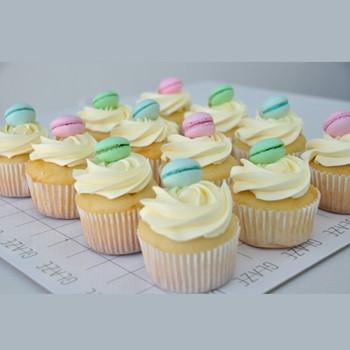 Macaroon Cupcakes