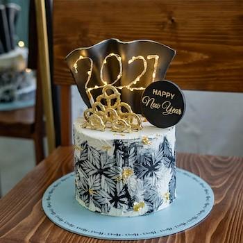 2021 Light-Up Cake