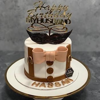 Mo-Tache Cake