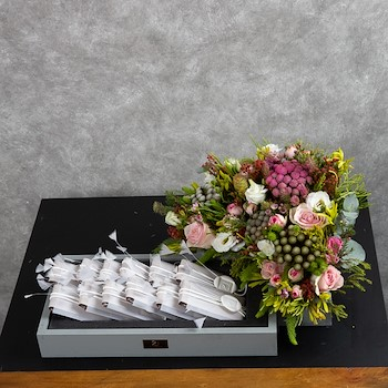 Giveaways Signature Tray