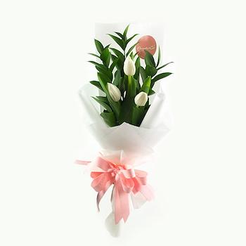 White Tulip Bouquet l