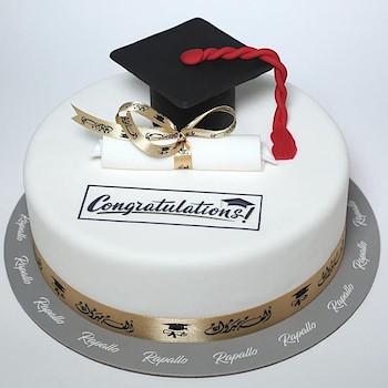 Graduation Cake 11
