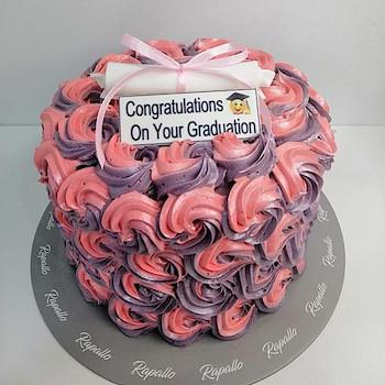 Graduation cake 3 .