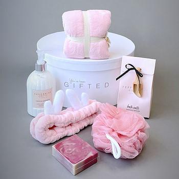 Gifted Pinky Basket