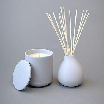 Light Gray Candle & Diffuser