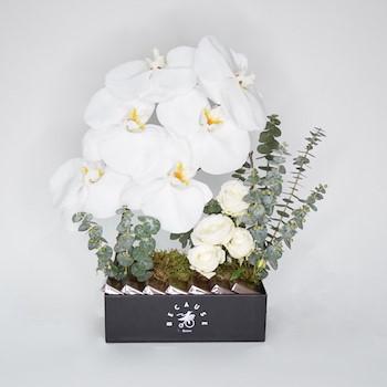 White Craze Bouquet