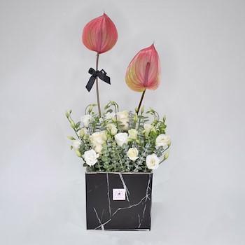Winter Lustrous Bouquet