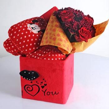 Love Blanket Box